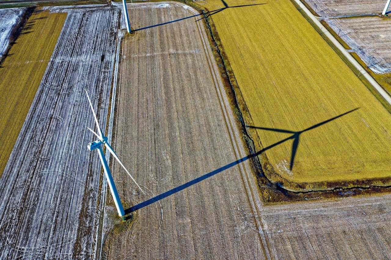 Windmolen in veld